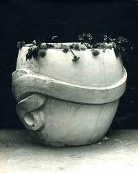 1982. Цветочница с обручем / Puķupods ar stīpu